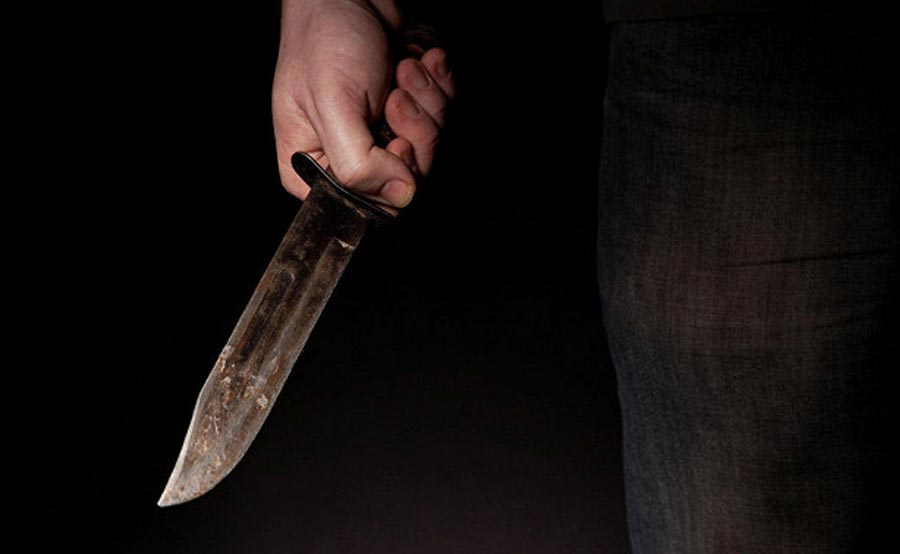 killer-with-knife