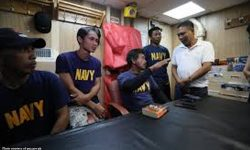 Kapitan ng Filipino boat kumambiyo: 'Parang binangga, parang hindi rin'